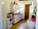 manskyn house struisbaai kitchen view