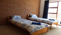 ocean echo house struisbaai guest twin bedroom