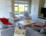 seven seas agulhas self catering downstairs lounge